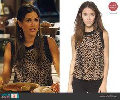 Zoe's sleeveless leopard print top on Hart of Dixie.  Outfit Details: http://wornontv.net/45334/ #HartofDixie