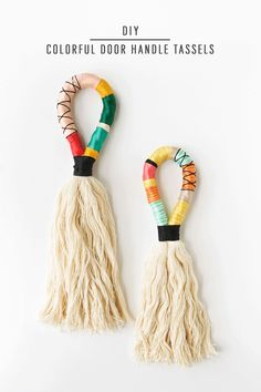 DIY Colorful Door Handle Tassels by Ashley Rose of Sugar & Cloth, a top life. - Home FTH - Home Decor IdeasInspired by the camel swag trend, these colorful DIY Door Handle Tassels are the perfect detail to add texture and color in your Sublime Usef 5 Subl Diy Tassel, Tassels, Porte Diy, Diy And Crafts, Arts And Crafts, Decor Crafts, Glands, Handmade Home Decor, Diy Fashion