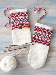 Ravelry: North Sámi Mittens pattern by Laura Ricketts Mittens Pattern, Knit Mittens, Knitted Gloves, Knitted Dolls, Fair Isle Knitting, Hand Knitting, Knitting Patterns, Crochet Patterns, Wrist Warmers