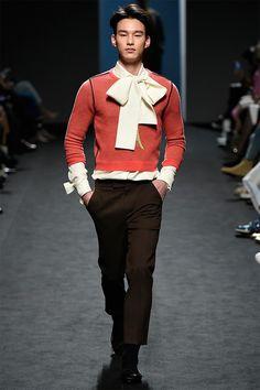 """PushBottom es la marca Koreana que en el pasado fashion week de seoul se llevo todos los likes de la comunidad Tumblr gracias a su """"Chaqueta Kawaii"""". La marca fundada el 2003, hoy es definida por la prensa Koreana como el """"next fashion crew"""" de Seoul. La marca ha sido fundada por Seung Gun Park …"""