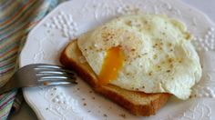 ** How To Fry An Egg   Sunny Side Up, Over Easy, Over Well, Over Hard   A  Sweet Pea Chef ** | Cooking   Meats   Eggs | Pinterest | Sunnies, Egg And  Easy