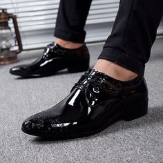 Genuine Leather Men Business Shoes Derby Vintage Black Embossed Patent Pointed Toe Dress Winter
