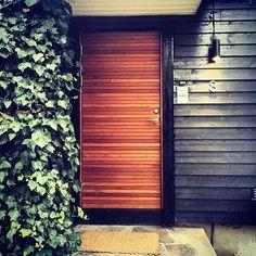 Lovely wooden front door in fsc certified teak from Bovalls Dörrbyggeri Sweden | For more & Lurs Dörr - Ytterdörrar - Värmdö | Hall | Pinterest | Hall Modern ... pezcame.com