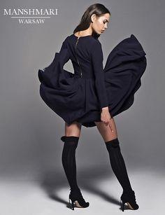 Sukienka rozkloszowana z długim rękawem