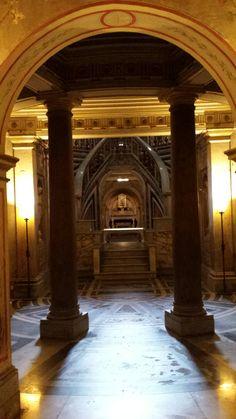 Basilica Ss .Apostoli Roma Cripta delle Reliquie di Giacomo e Filippo.