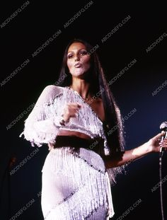 Cher groovin away on stage Cher Photos, Cher Bono, Glamour, Bob Mackie, Vogue Magazine, 70s Fashion, My Idol, Style Icons, Beautiful People