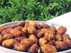 Κολοκυθοκεφτέδες !!! ~ ΜΑΓΕΙΡΙΚΗ ΚΑΙ ΣΥΝΤΑΓΕΣ 2 Cauliflower, Potatoes, Vegetables, Cooking, Ethnic Recipes, Food, Greek, Heaven, Kitchen