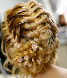Romantic Bridal Hairstyles - Messages, Wordings and Gift Ideas