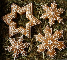 The recipe for gingerbread cookies. Christmas Ornaments To Make, Christmas Gingerbread, Christmas Baking, Christmas Cookies, Christmas Diy, Gingerbread Decorations, Xmas Decorations, Gingerbread Cookies, Christmas Flatlay