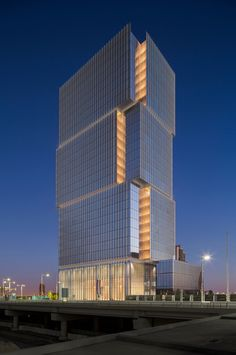 Galería de Torre de oficinas Banco Al Hilal / Goettsch Partners - 8