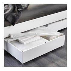 IKEA - VARDÖ, Bettkasten, weiß, , Verwandelt den Platz unter dem Bett in praktischen Stauraum.Mit Verschluss, der den Inhalt vor Staub schützt.