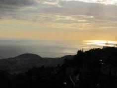 Die Sonne geht im Pazifik unter.