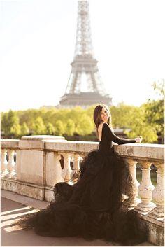 Capturing your Paris experience    Image by L'Amour de Paris Romantic Portraits, see more at http://www.frenchweddingstyle.com/glamorous-alternative-paris-souvenir/