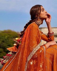Dress Indian Style, Indian Fashion Dresses, Indian Designer Outfits, Pakistani Dresses, Indian Bridal Lehenga, Indian Bridal Outfits, Indian Bridal Hairstyles, Indian Bridal Makeup, Indian Bridal Fashion