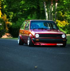 Polo 2 Steilheck in Rot Vw R32 Mk4, Scirocco Volkswagen, Jetta Gti, Volkswagen Golf Mk1, Golf 1, Mk1 Golf, Retro Bike, Air Ride, Vw Cars