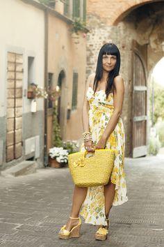 Smilingischic outfit abito a fiori asimmetrico Ax Paris