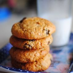 Rum n' Raisins Choc Chip Oatmeal Cookies - soft, chewy, boozy and absolute yum.