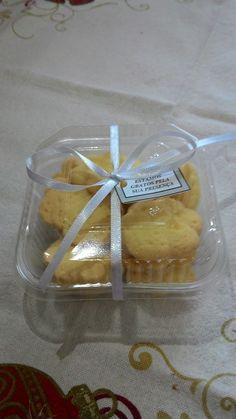 21fd5151cc6 Lembrancinhas com Biscoitos amanteigados e TAG. Cada saquinho tem  aproximadamente 50g com cada um dos
