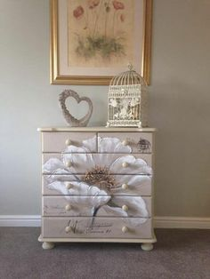 22 Ideas For Hand Painted Furniture Diy Dressers Decoupage Furniture, Chalk Paint Furniture, Hand Painted Furniture, Funky Furniture, Repurposed Furniture, Shabby Chic Furniture, Furniture Projects, Furniture Making, Furniture Makeover