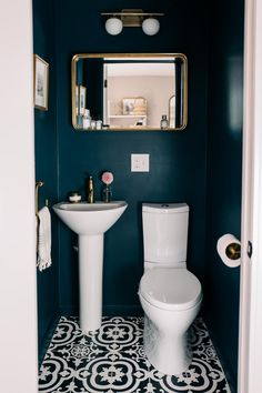 Small Space Squad Home Tour: Jess Ann Kirby smallspaces tinyhouse livesmall smallspacesquad hometour housetour 155866837090116061 Small Downstairs Toilet, Small Toilet Room, Downstairs Cloakroom, Guest Toilet, Cloakroom Toilet Small, Cloakroom Toilets, Master Bathroom, Paint Bathroom, Bathroom Plumbing