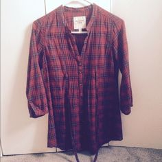 Abercrombie plaid top Thin plaid top. Ties around back. Size xs but fits size smalls. Nice with leggings. Abercrombie & Fitch Tops