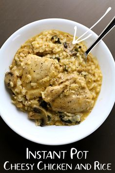 Easy Instant Pot recipe, no cream of soups! Cheesy chicken and rice recipe for dinner tonight! #instantpotrecipes