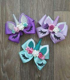 8 tips to make a 5 inch hair bow. Ribbon Hair Bows, Diy Ribbon, Girl Hair Bows, Girls Bows, Ribbon Crafts, Bows For Hair, Diy Unicorn Headband, Unique Hair Bows, Disney Hair Bows