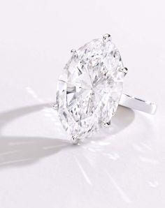Magnificent Platinum and Carat Oval-Shaped D Color Type IIa Internally Flawless Diamond Ring Gems Jewelry, High Jewelry, Jewelery, Jewelry Accessories, Jewelry Box, Emerald Cut Diamonds, Diamond Cuts, Diamond Pendant Necklace, Diamond Earrings