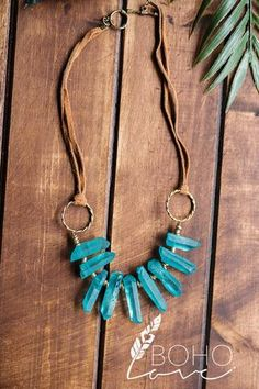 Shore Kissed Sea Glass Stone Gold O Ring Suede Necklace (Turquoise)