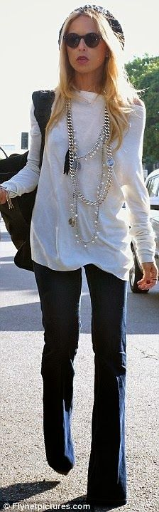Stylist Rachel Zoe casual black and white | Mode-sty. Not a huge fan of the long chains, I think a long strand of pearls would be more my style.  I like the rest!
