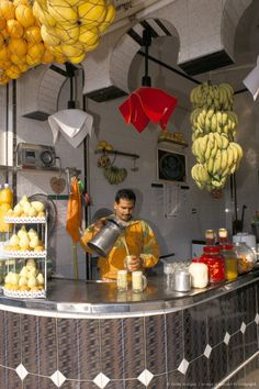 Loved the fresh fruit drinks, it was a great way to try the many different fruit flavors in Egypt. Life In Egypt, Modern Egypt, Alexandria Egypt, Tea Culture, Visit Egypt, Different Fruits, Egypt Travel, Fruit Drinks, Cairo Egypt