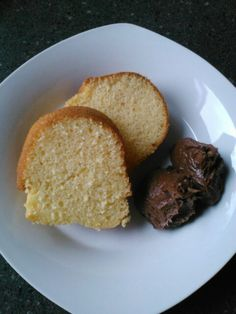 Escape Club, lazy yummy yellow cake, simple cake recipe, box cake, Lisa Smith, cheat's cake
