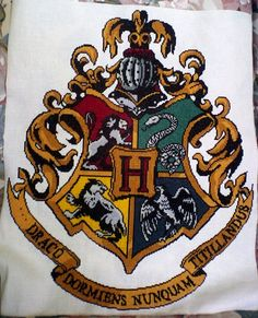 hogwarts crest cross stitch by grumble-king2