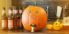 Thinking of having a Falloween party? Thinking of having a keg at that Falloween party? What if that keg was actually a pumpkin? Forget the keg-- you can make your very own beer. Trendy Halloween, Fall Halloween, Halloween Crafts, Halloween Decorations, Halloween Party, Pumpkin Beer, Diy Pumpkin, Pumpkin Carving, Beer Keg