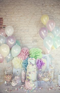 Wedding cake and candy buffet, lots of vintage, sugary pastel loveliness going on here! Love these colours!!!