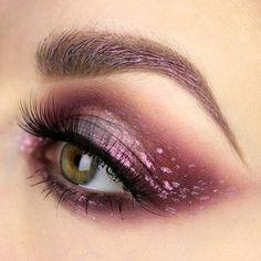 WEBSTA @ palecanvas - @Make_up_factory - Metallic Color Fluid - Iridescent Pink (lids and brows)@katvondbeauty MetalMatte palette: Oak, Silk, Bone#katvondbeauty #katvond #metalmatte #mua #metalliceyecolorfluid #metallic #wakeupandmakeup #makeupblogger #myartistcommunity #makeuplover #poshmakeuplife #tasteofmakeup #kvdlook #inssta_makeup #makeupmafia #featuremuas #fallmakeup #peachyqueenblog #makeupisart #makeupaddicts #makeupjunkie #undiscovered_muas #makeupartist #norvina…