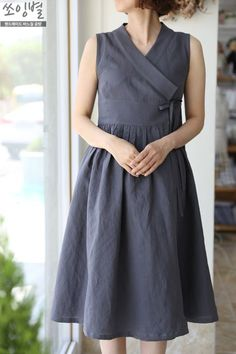 쏘잉별 민소매 철릭원피스 생활한복 Simple Dresses, Casual Dresses, Fashion Dresses, Linen Dresses, Cotton Dresses, Short Frocks, Stitching Dresses, Dress Making Patterns, Korean Dress