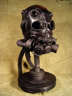 Steampunk Leather Mask Artist: Bob Basset -- Could work for the dehumanizing plague-masks. Chat Steampunk, Arte Steampunk, Steampunk Artwork, Style Steampunk, Steampunk Couture, Steampunk Gears, Steampunk Fashion, Armadura Steampunk, Cosplay