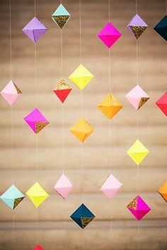 Guirlande de petits cubes/losanges de couleur
