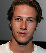 Luke Bracey Lands Johnny Utah Role in 'Point Break' Remake
