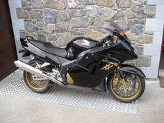 Honda cbr1100xx Blackbird with yoshimura exhaust