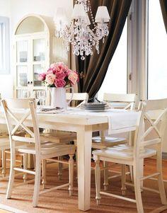 love this chandelier/light fixture