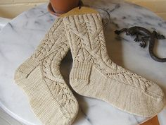 Join the Verybusymonkey Knitters Group Free sock pattern