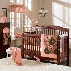 Dormitorio de beb� en crema y coral