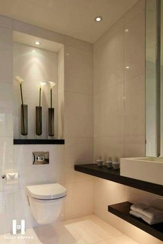 Discover the very best modern bathroom ideas, designs & inspiration to match your style. Browse through pictures of modern bathroom decor & colours to develop you bathroom design Modern Small Bathrooms, Chic Bathrooms, Modern Bathroom Design, Bathroom Interior Design, Beautiful Bathrooms, Bathroom Designs, Bathroom Layout, Contemporary Bathrooms, Modern Design