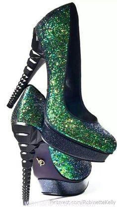 Green heels image,green heels, moda,style, fashion, high heels, image, photo, pic, pumps, shoes, stiletto, women shoes http://www.womans-heaven.com/green-heels-image-8/