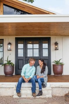 30 minutes until an all-NEW #FixerUpper with @TheMagnoliaMom and @chippergaines (9|8c). Who's ready?!?
