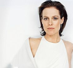 I always liked Sigourney Weaver and thought she was an amazing actress. Very versatile.  It wasn't until I saw her in the film version of Death And The Maiden, however, that my mind got really blown.  She never ceases to disappoint.  I particularly like her in comedies as it always seems so unexpected.