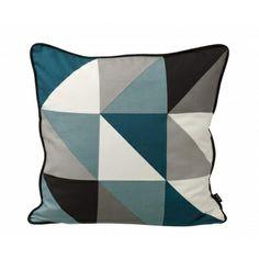 Triángulos en 4 colores y borde negro.