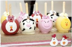 Farm cake pops (LOTS of other amazing ideas at this party) Barnyard Cake, Barnyard Party, Farm Cake, Farm Party, Animal Cake Pops, Farm Animal Cakes, Barnyard Animals, Farm Birthday, 3rd Birthday Parties